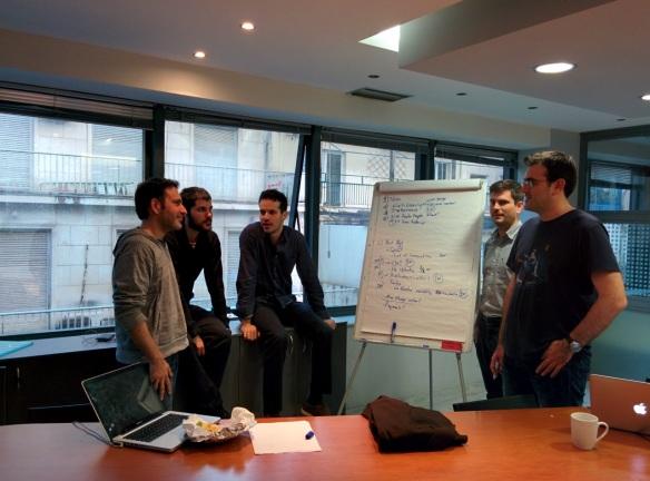 100mentors foto_team in meeting_kleiner